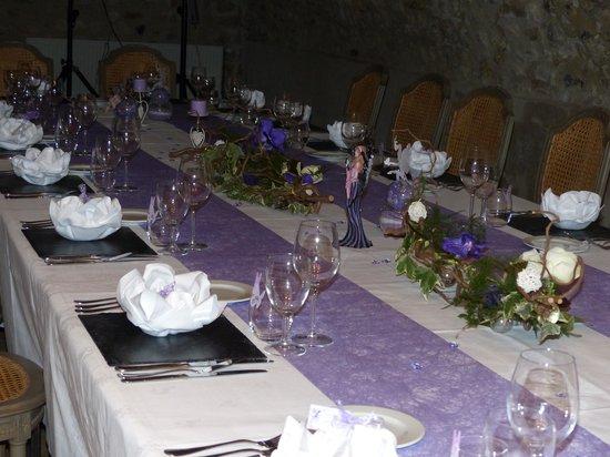 Hostellerie Varennes : table décorée par Jean Michel
