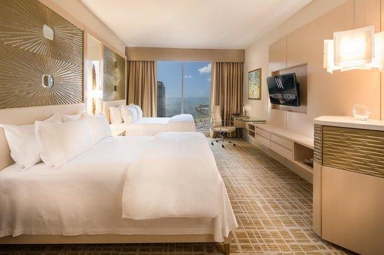 Waldorf Astoria Panama: 2 Double Beds Deluxe Room.