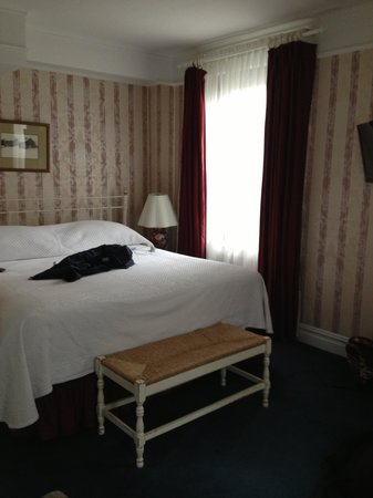 Roger Smith Hotel: master bed