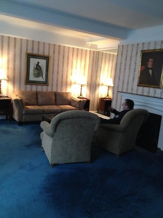 Roger Smith Hotel : living room
