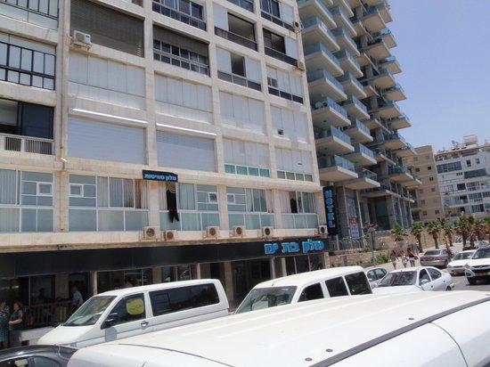 Hotel Suites Bat Yam: Front side