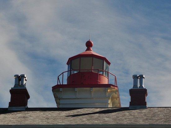 Yaquina Bay Lighthouse: Closeup of the ligtht