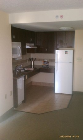 Staybridge Suites Chesapeake: Kitchen. Full refrigerator. Microwave. Dishwasher. Dishes