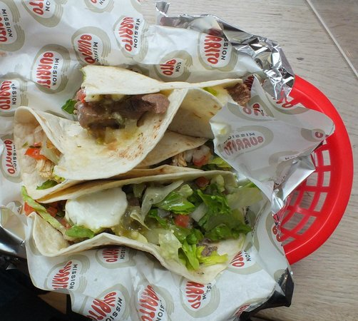 Mission Burrito - Oxford - Cornmarket: Tacos in name only