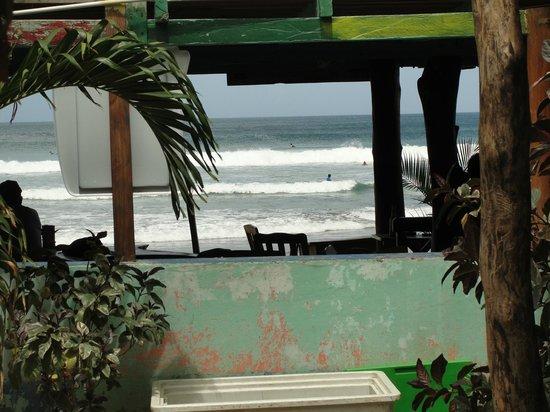 Rancho Cecilia Nicaragua: Chicken shack, Playa Maderas