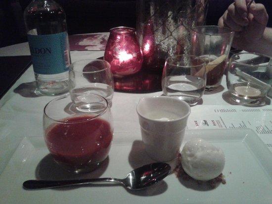 Proud Cabaret City: dessert