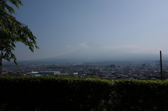 Ryokan Tachibana : View of Mt. fuji from patio of room