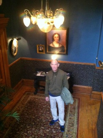 Victorian Heritage Bed and Breakfast: My boyfriend at the bottom of the stairs
