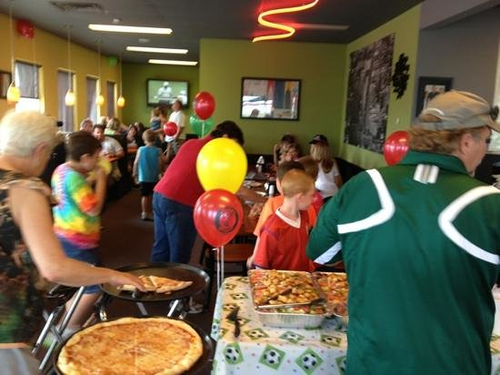 Brother's Pizza: good place for birthday party