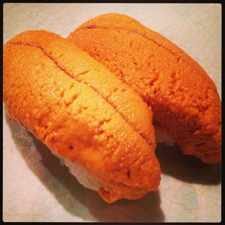 Taka Sushi Japanese Restaurant: sea urchin sushi