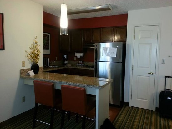 Residence Inn Milpitas Silicon Valley: Kitchen