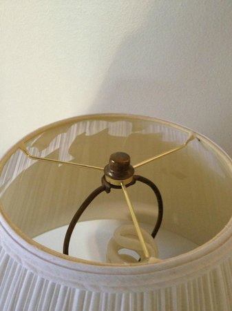 Kachina Lodge Resort and Meeting Center: Bedside lampshade that has seen better days
