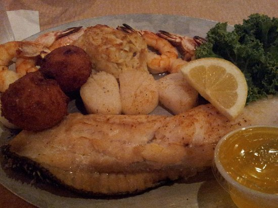 Surf Rider : Broiled seafood platter