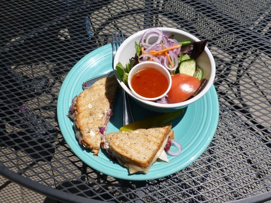 Rocky Mountain Mojoe: A salad and sandwich