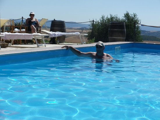 Fattoria del Colle - Agriturismo: One of the pools with extensive views