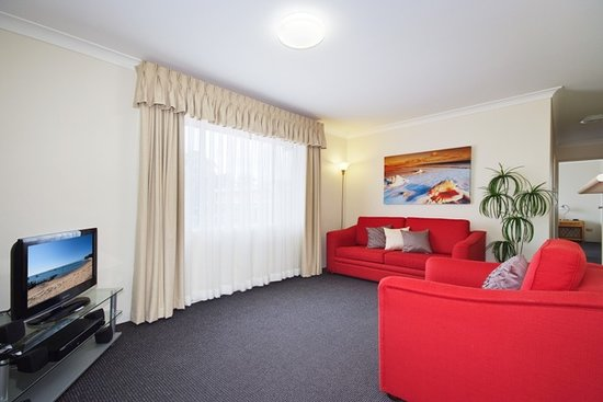 Beaches Serviced Apartments: we have 1 or 2 bedroom self contained apartments