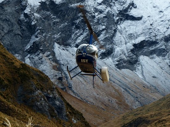 Wanaka Helicopters: Pick up from the mountains