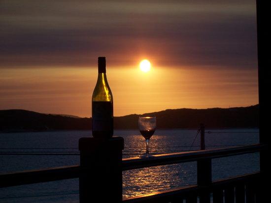 Bay of Islands B&B: Sunset on balcony