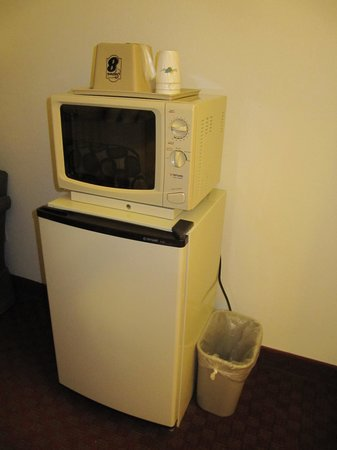 Super 8 Troy IL/St. Louis Area: In room fridge, microwave