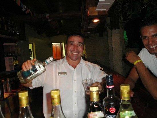 Hotel Pelicano: Guille en el Lobby Bar