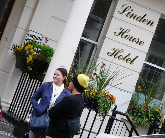 Linden House Hotel: We were lucky, it doesnt rain in London then