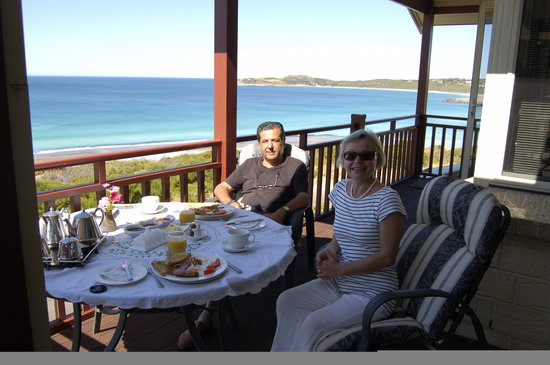 Bay of Islands B&B: Breakfast on the balcony
