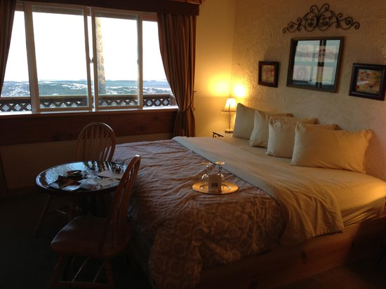 Homer Inn & Spa: Our gorgeous room