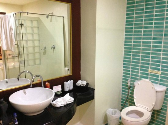 Khaolak Orchid Beach Resort: Bathroom