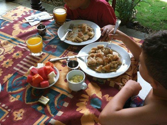 Hotel El Almirante: Breakfast