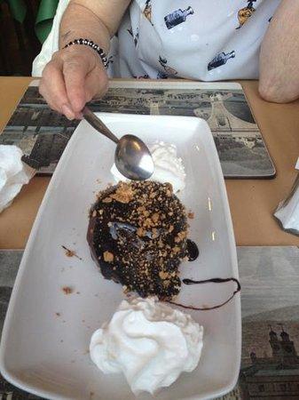 The Jolly Restaurant: chocolate ice cream pudd delish.