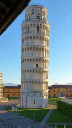 Relais I Miracoli B&B Pisa : LA TOU VUE DE LA CHAMBRE