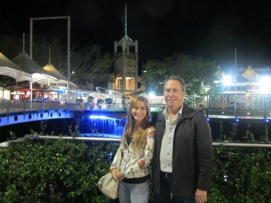 Maroochydore, Sunshine Plaza: Night view of River section