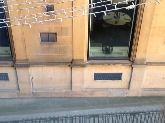 Mercure Glasgow City Hotel: Nachtclub vor Zimmer 211