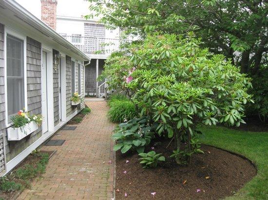 Nantucket Inn : Inn grounds