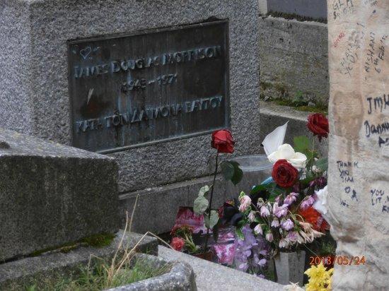 Friedhof Père-Lachaise (Cimetière du Père-Lachaise): may 2013 morrison grave pere-lachaise paris
