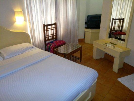 Michael's Inn : hotel room
