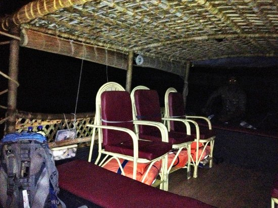 Soma Kerala Palace : Getting on the boat at 3AM