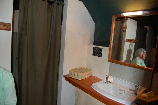 Tarangire Safari Lodge : Bathroom