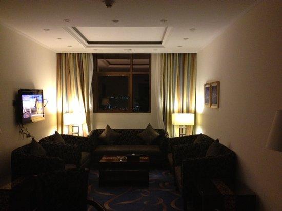 Al Eman Royal Hotel : Suit 1329, Saloon
