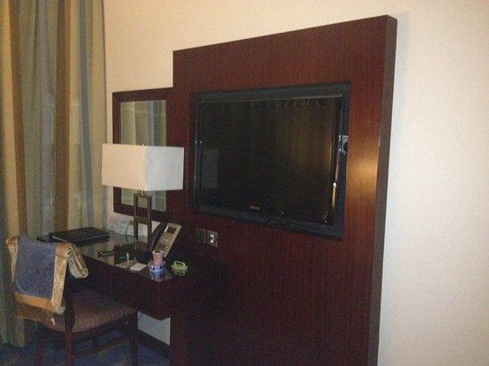 Al Eman Royal Hotel: Suit 1329, bedroom