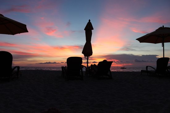 Shangri-La's Boracay Resort & Spa: Beach Sunset