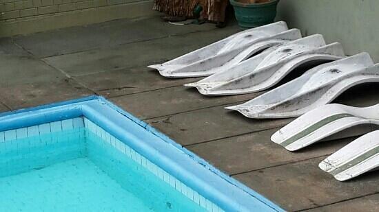 swimming pool at giritale hotel