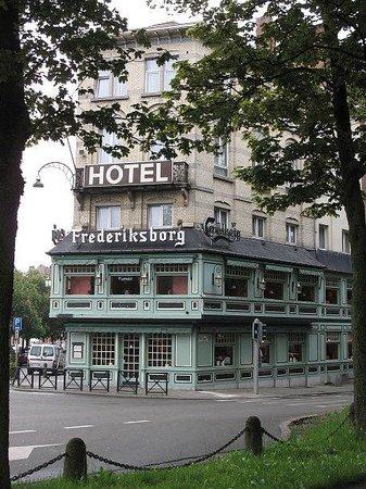 Hotel Frederiksborg: schönes Gebäude