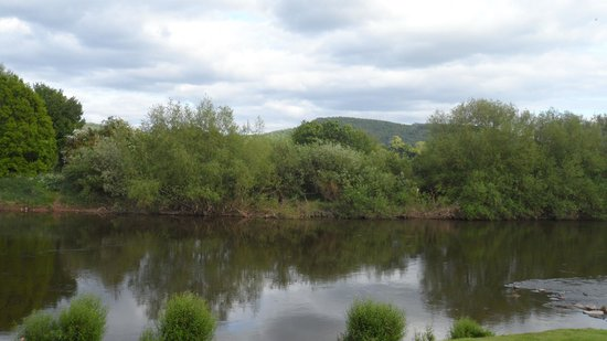 Orles Barn Hotel: The River Wye