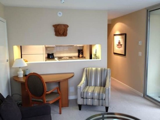 Vancouver Extended Stay: Kitchen & living room