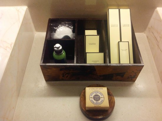 Shangri-La's Boracay Resort & Spa: Toiletries