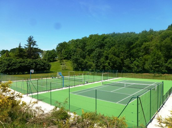 Domaine de Gavaudun : All new tennis and multisports courts !