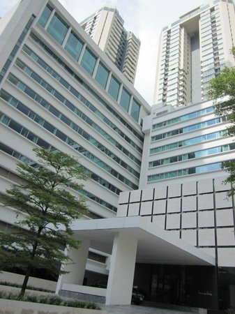 COMO Metropolitan Bangkok: Exterior