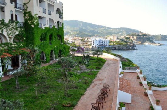 Hotel Carasco: View from hotel towards town