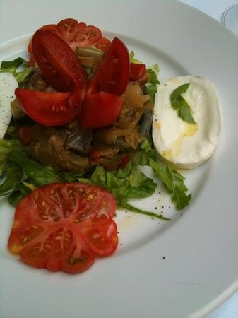 Fontanarosa: caponata in the lunch menu.